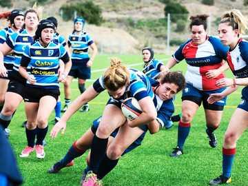 damskie mundury rugby - Momento en el que una jugadora de Club de Rugby Femenino de Málaga to miejsce, w którym odbywa si�