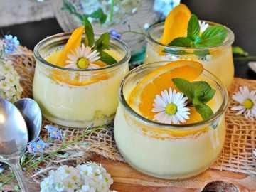 mousse de limón - mousse de limón y decoración floral