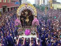 Procissão do Senhor dos Milagres - Senhor dos Milagres. A procissão do Senhor dos Milagres é uma tradição peruana que começou no a