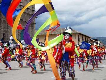Karnawał Cajamarca - Jeden z najbardziej malowniczych karnawałów w Ameryce Łacińskiej odbywa się w peruwiańskim mie