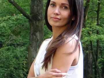 Anna Prus - Anna Prus (nacida el 21 de mayo de 1981 en Zielona Góra) - actriz polaca de cine y teatro.