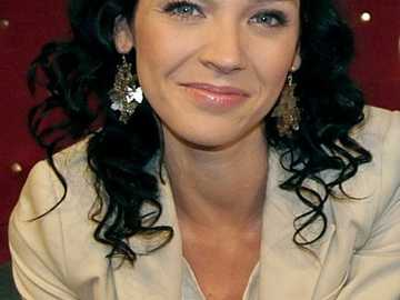 Andżelika Piechowiak - 2008, 2014: Na dobre i na złe – dwie role: Eryka, koleżanka Ady (odc. 337), modelka Magda (odc.