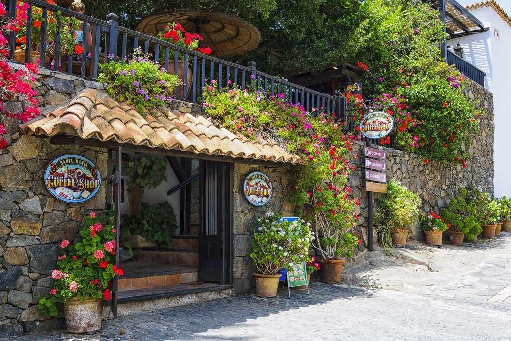 Wyspy Kanaryjskie - kawiarenka tonąca w kwiatach