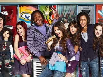 Victorious cast - Victorious cast hanging out