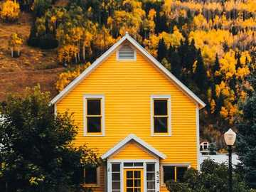 Yellow house - Yellow house ............
