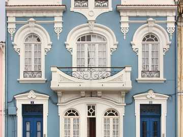 Niebieska kamienica - Niebieska kamienica...........