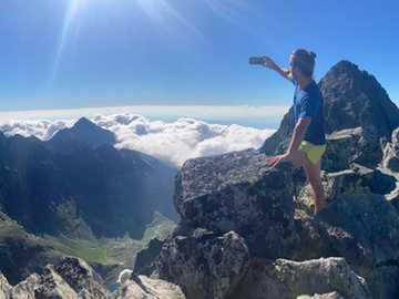 Lukáš w Tatrach Wysokich - Na górze w słońcu
