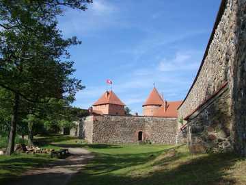 Litwa - Troki - Mury obronne zamku książąt litewskich w Trokach.
