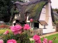 Bajkowy domek. - Angielski bajkowy domek.