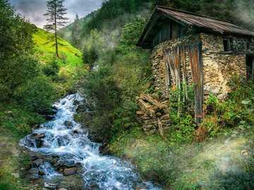 Alpejski krajobraz - Austria- chata - schronisko