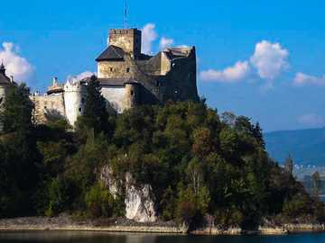 Castle in Niedzica - pleasant surroundings and attraction