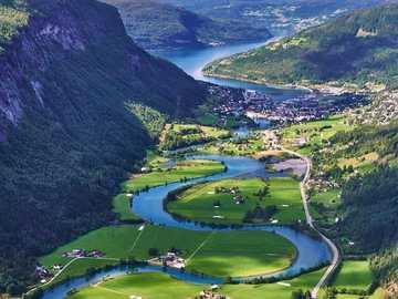 przyroda - panorama - przyroda - panorama - rzeka w dolinie