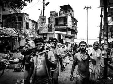 people grayscale photo - Shiva, is not a god, is an state of mind. Varanasi, India