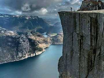 Norwegische Landschaft. - Puzzle. Landschaft.