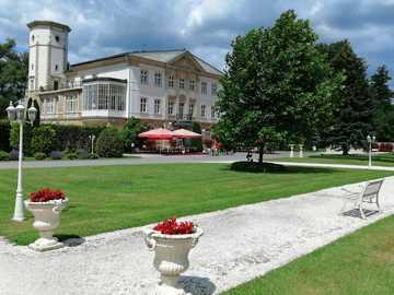 Brunów Palace - Palace in Brunów, Lower Silesian Voivodeship