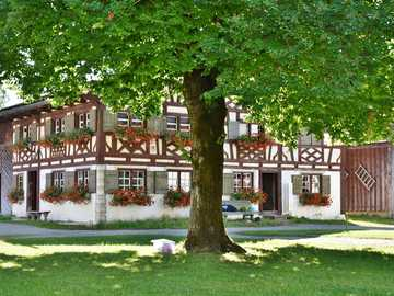 edifici rurali - fattoria - muro prussiano