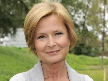 Barbara Bursztynowicz - 2009: Na dobre i na złe (odc. 383), jako Julia Krzyżanowska