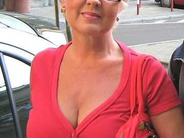 Ewa Borowik - Ewa Borowik (ur. 28 sierpnia 1950 w Warszawie) – polska aktorka.