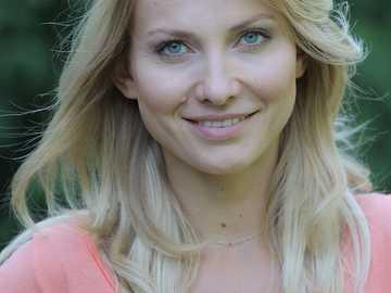 Joanna Moro - 2009: Pentru bine și pentru rău - ca fiica Sabinei (episodul 397)