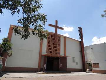 Puzzle San José - Something happened to the parish! Help us make it like new ...