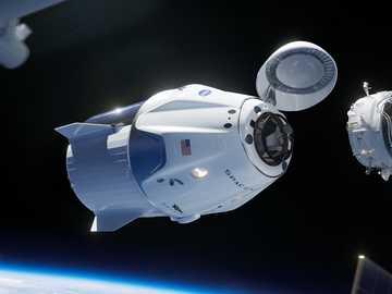Dragón de la tripulación - Una nueva era en la exploración espacial.
