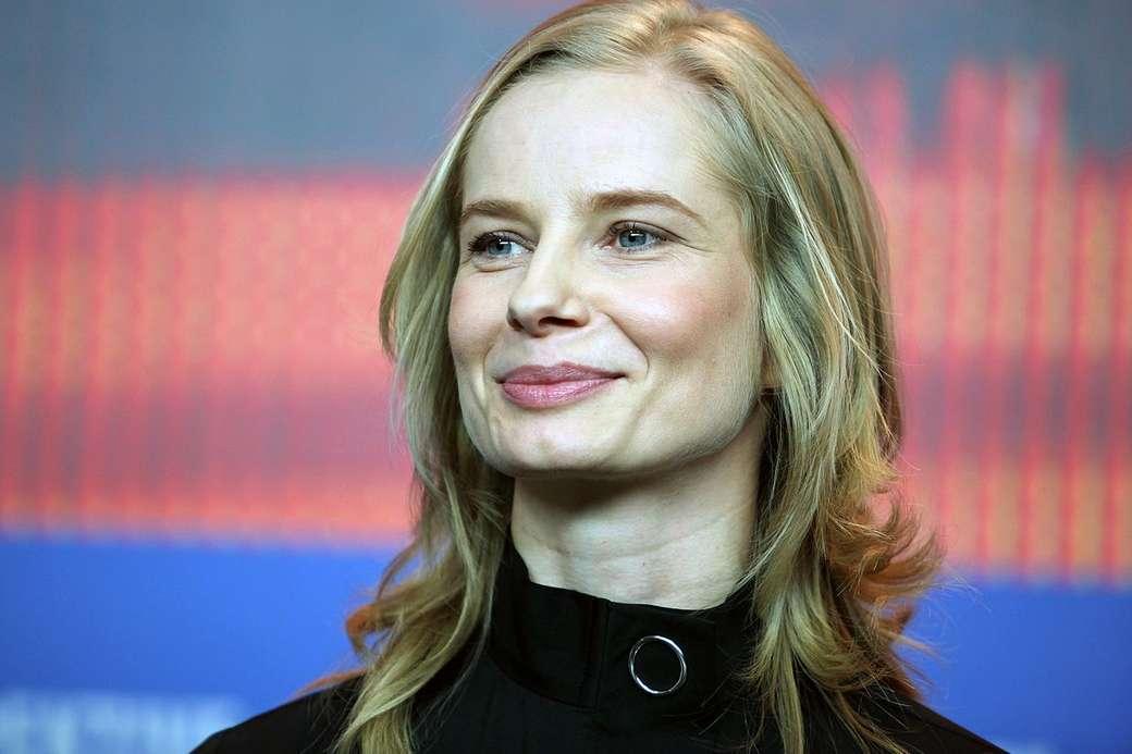 Magdalena Cielecka - 2005–2007: Magda M. - som Dorota Korzecka (avsnitt 1, 2, 17–19, 22–30, 38, 39) (6×4)