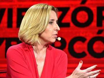 Dominika Wielowieyska - Dominika Maria Wielowieyska (ur. 11 grudnia 1968 w Warszawie[1]) – polska dziennikarka i publicyst