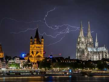 thunderstorm - Thunderstorm over Cologne Cathedral.