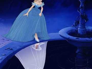 Disney-Cenicienta - La Cenicienta es un cuento de hadas que cuenta con varias versiones, orales y escritas, antiguas y m