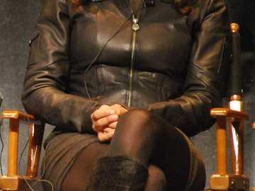 Zuleikha Robinson - Zuleikha Robinson (ur. 29 czerwca 1977 w Londynie), angielska aktorka o korzeniach brytyjsko-azjatyc