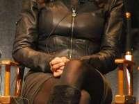 Zuleikha Robinson - Zuleikha Robinson (1977. június 29-én született Londonban), angol-amerikai színésznő, brit-áz