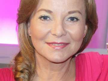 Laura Connect - 1981-1987: 07 s'appliquent - deux rôles