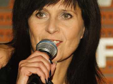 Wanda Kwietniewska - Wanda Małgorzata[a] Kwietniewska (ur. 8 lipca 1957 w Przywidzu) – polska piosenkarka, wokalistka