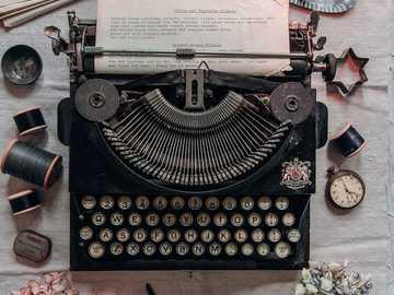 Máquina de escribir - Máquina de escribir .............................