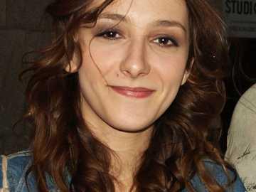 Agnieszka Pawełkiewicz - Agnieszka Pawełkiewicz (ur. 1990) – polska aktorka. Absolwentka Akademii Teatralnej w Warszawie.