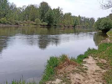 Rzeka Mura - Gájparag Murarátka - Poniżej Murarátka znajduje się odcinek rzeki Mury. Kajakowa łódź rybacka