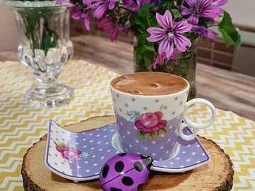 piękna filiżanka kawy - piękna filiżanka kawy - wnętrze