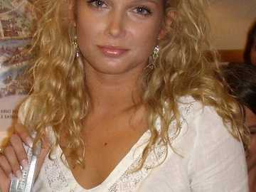 Joanna Liszowska - 2012 Gesetz von Agata Karolina, Freundin von Żarska