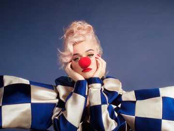 Katy Perry - uśmiechnij się do albumu z sesji zdjęciowej
