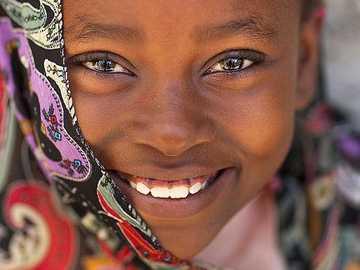 Portret śliczna dziewczyna w Lamu, Kenja - Portret śliczna dziewczyna w Lamu, Kenja.