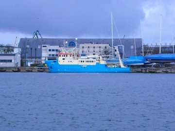 En el puerto de Gdynia - Un gran barco en el puerto de Gdynia, diciembre de 2019.