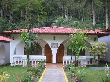 Kostaryka - Kultura wakacyjna w Kostaryce, bungalow