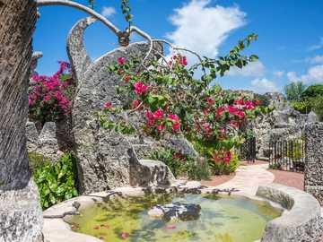 Coral Castle - Zamek na Florydzie monumentalna budowla usytuowana prawie w centrum Homestead.