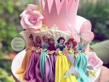 Ciasto Disney Princess - Tort księżniczki Disneya - kolorowy i piękny