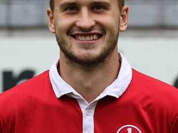 Mateusz Klich - Carrera representativa Klich jugó en el equipo nacional polaco U-18 en el que anotó cinco juegos [