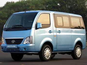 Tata Venture - La Tata Venture è un minivan full size (MPV) cabover da 3/4 a 4 posti, da 5 a 8 posti, presentato i