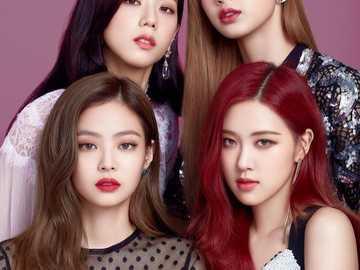 CZARNY RÓŻ - Blackpink to południowokoreańska grupa dziewcząt założona przez YG Entertainment, w skład któ