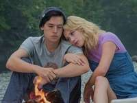 BETTY + JUGHEAD - Riverdale Betty și Jughead