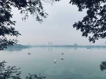 南京 - 玄武湖 - jacht na korpusie z wodą r. Nanjing, 江苏 省 中国