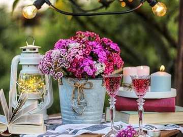 Blumen auf dem Tisch. - Blumenpuzzle ...
